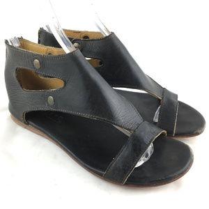 Flat sandal black leather ankle strap zip 8 Soto